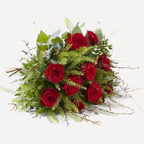 Rode rozen boeket liggend