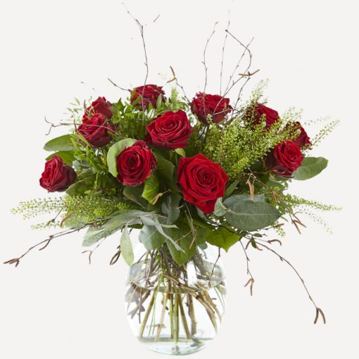 Rode rozen boeket met vaas
